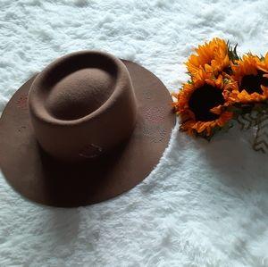 Lucky Brand hat